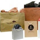 In túi giấy đựng quần áo cho shop thời trang giúp cửa hàng khẳng định thương hiệu