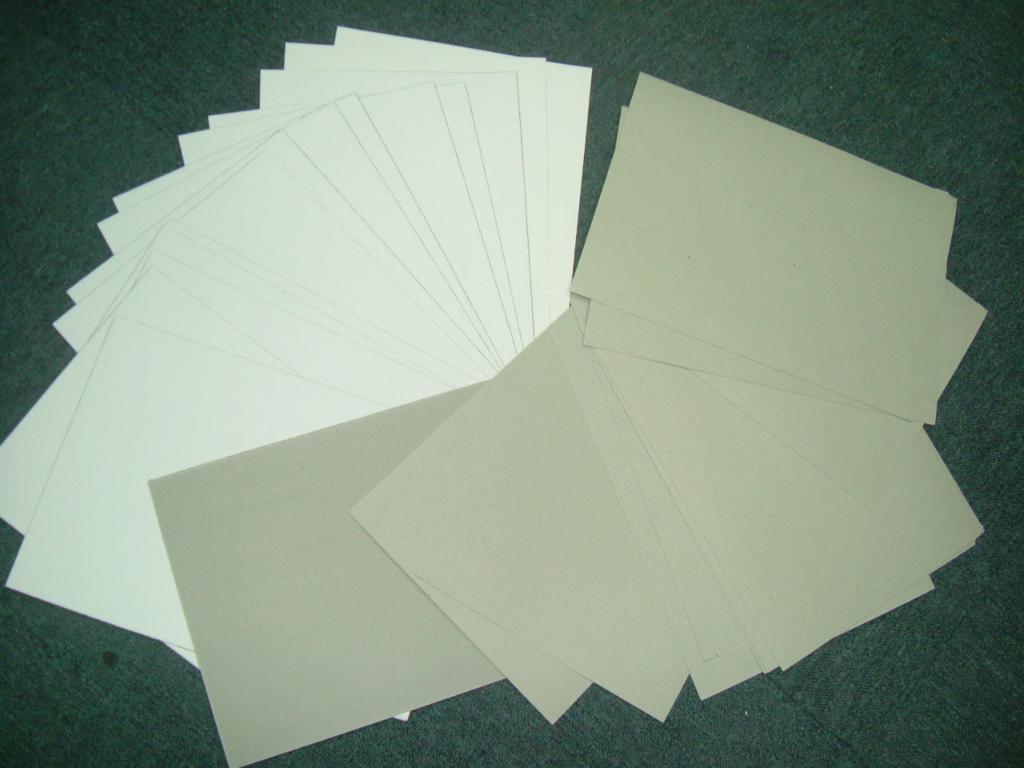 các loại giấy không nên dùng để in tờ rơi